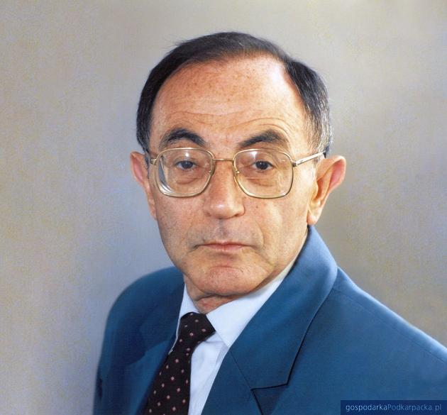 Prof. Shimon Redlich