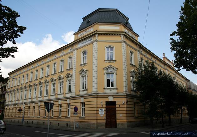 NFZ w Rzeszowie przebuduje poddasze swojego zabytkowego budynku