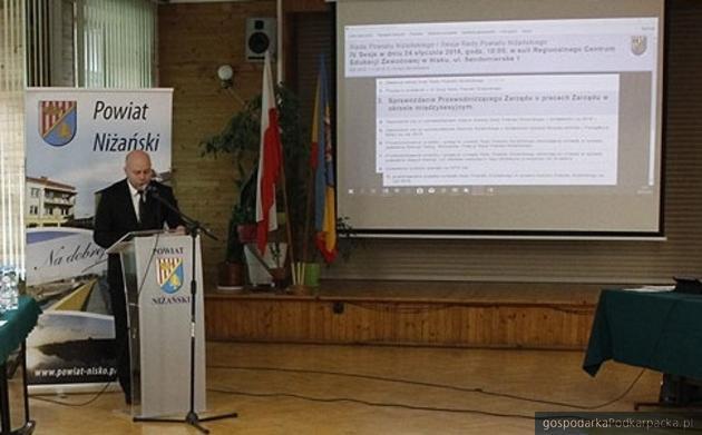 Rada powiatu niżańskiego uchwaliła budżet na 2019