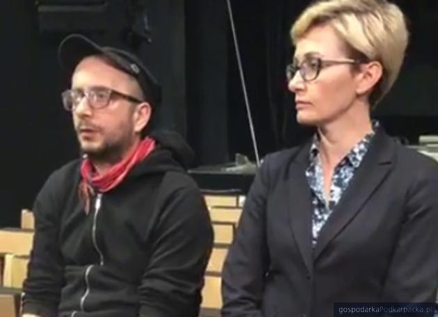 Od lewej Paweł Passini reżyser sztuki i Monika Szela, dyrektor Teatru Maska