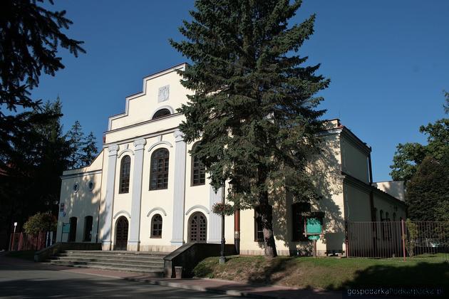 Zabytkowy budynek teatru w Horyńcu (Gminny Ośrodek Kultury) czeka renowacja