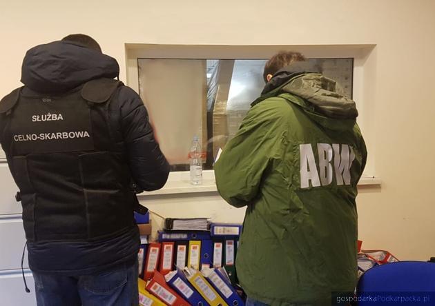 ABW i skarbówka rozbiły grupę przestępczą wyłudzającą VAT