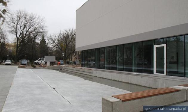 Zakończyła się budowa nowej biblioteki w Mielcu