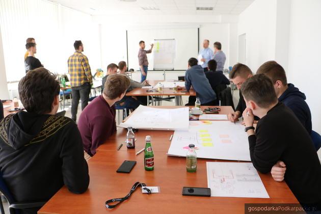 Praktyki IAESTE w HucieO-I w Jarosławiu