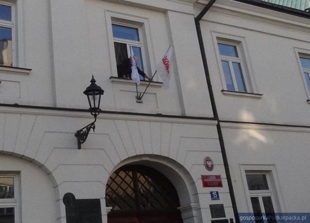 I Liceum Ogólnokształcące w Rzeszowie o godz. 7.30. Fot. Adam Cyło