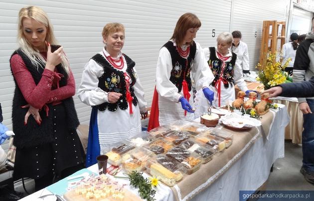 """Trwają Podkarpackie Regionalia """"PrzedSmak Świąt"""" w Agrohurcie"""