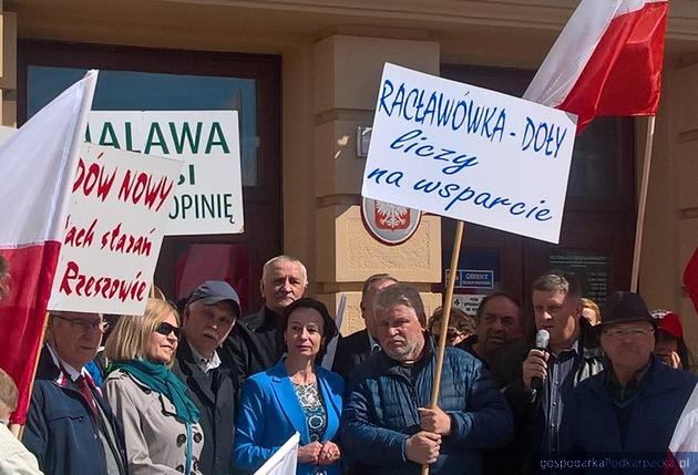 Wicewojewoda Lucyna Podhalicz spotkała się z protestującymi