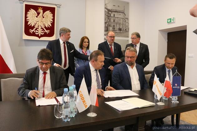 Przebudowa drogi krajowej nr 77 Pełkinie - Gorzyce. Umowa podpisana