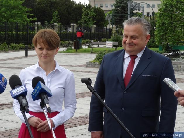 Minister Jadwiga Emilewicz popiera Stanisława Kruczka