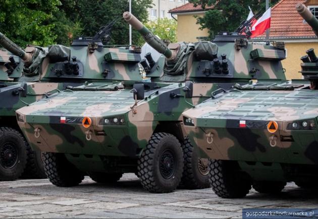 Huta Stalowa Wola S.A. z zamówieniem na dostawy Artyleryjskich Wozów Amunicyjnych