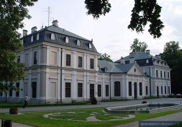 Pałac w Sieniawie: kto będzie właścicielem?
