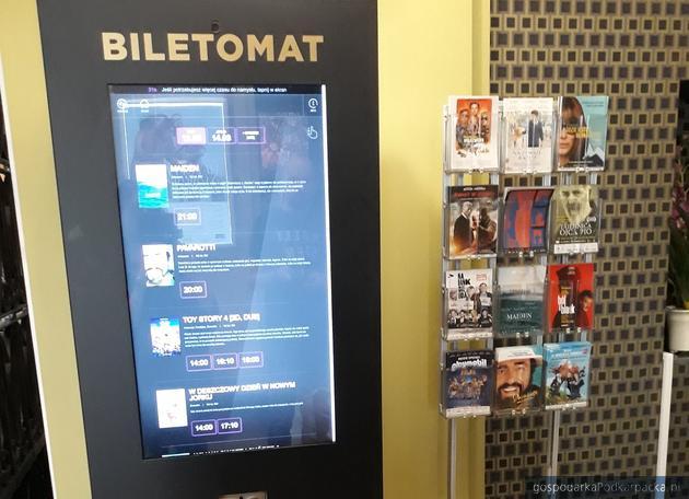 Pierwszy w Rzeszowie biletomat na seanse filmowe w kinie Zorza