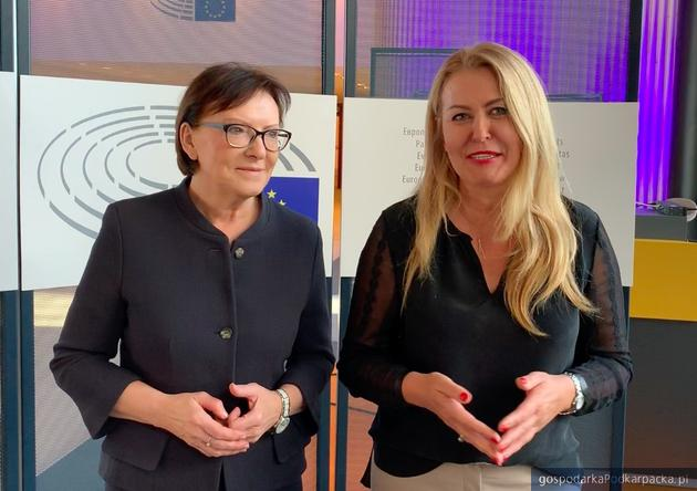 Od lewej Ewa Kopacz i Elżbieta Łukacijewska