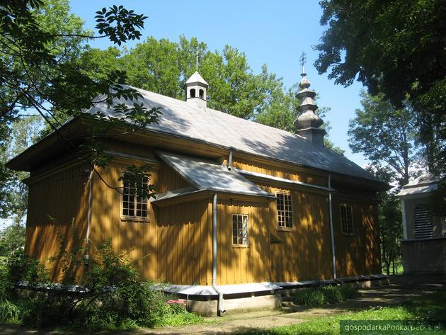 Dawna cerkiew, obecnie kościół rzymskokatolicki pw. Matki Boskiej Częstochowskiej w Sieniawie. Fot. Jan Krupa