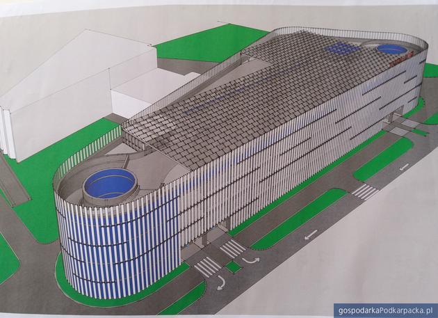 Kiedy powstanie parking wielopoziomowy koło basenu ROSiR?