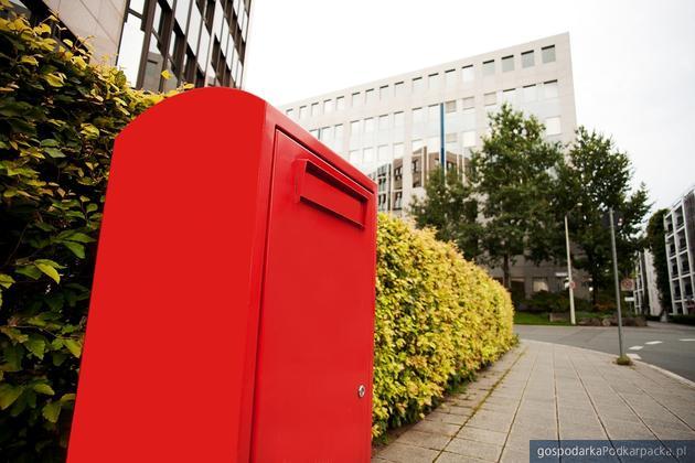 Wydanie przez pocztę przesyłki po terminie nie wydłuża terminu procesowego