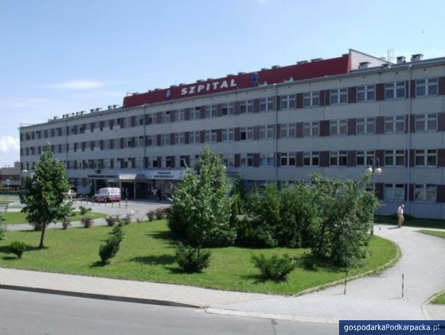Przemyski szpital zmniejszył liczbę łóżek. Dyrekcja uspokaja