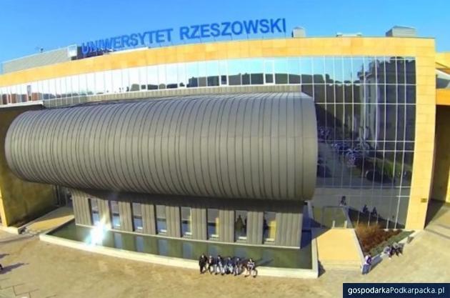 Debata o depopulacji na Uniwersytecie Rzeszowskim w międzynarodowym gronie