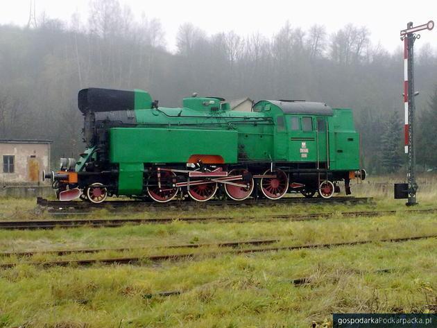 Zabytkowa lokomotywa na stacji Zagórz. Fot. Czachor. Wikimedia/Commons