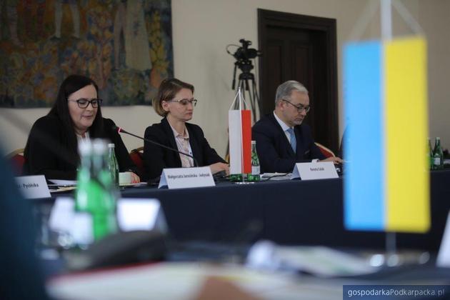 Pierrwsza z lewej min. Małgorzata Jarosińska-Jedynak. Fot. Daniel Kozik