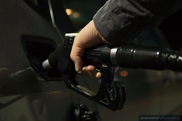 Spadają ceny paliwa. Czy to skutek koronawirusa?