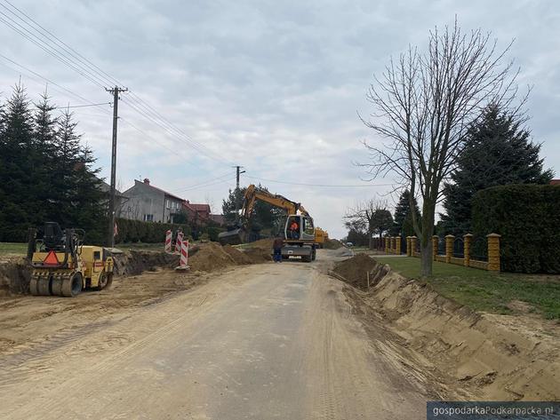 Trwa remont drogi Sośnica - Zadąbrowie