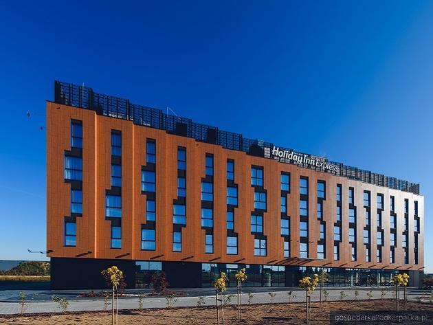 Lekarze leczący zarażonych koronawirusem będą zakwaterowani w hotelu Holiday Inn w Jasionce