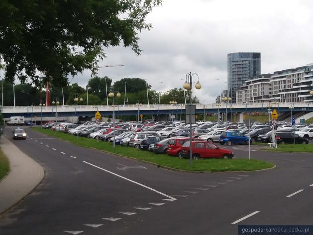 Obecny parking przu hali Podpromie