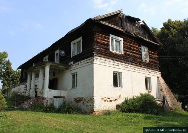 XIX-wieczny dwór w Pruchniku do remontu