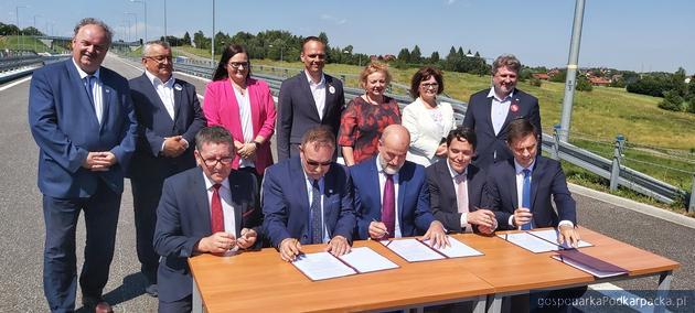 Umowa na odcinek S19 Rzeszów-Babica (Via Carpathia) podpisana. Wykonawca zapowiada innowacyjne technologie