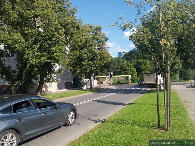 Ulica Słowackiego łączy się z ulicą Szopena. Fot. Adam Cyło