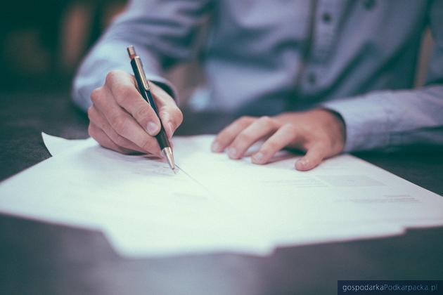 Pożyczka krótkoterminowa – jak zaciągnąć ją odpowiedzialnie?