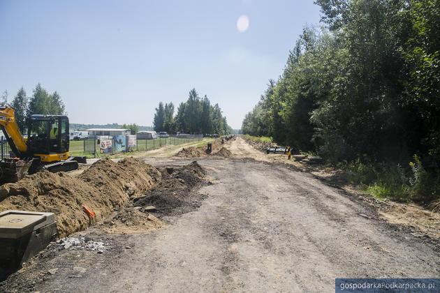 Trwają prace budowlane nad Jeziorem Tarnobrzeskim