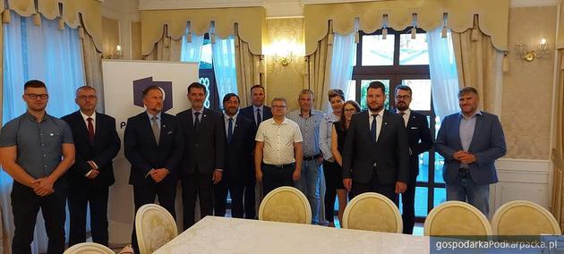 Władze Porozumienia w okręgu przemysko-krośnieńskim. Trzeci od lewej Tomasz Legeny