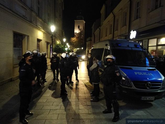 Policjanci na ulicy Kościuszki. Fot. The Blogger Polska