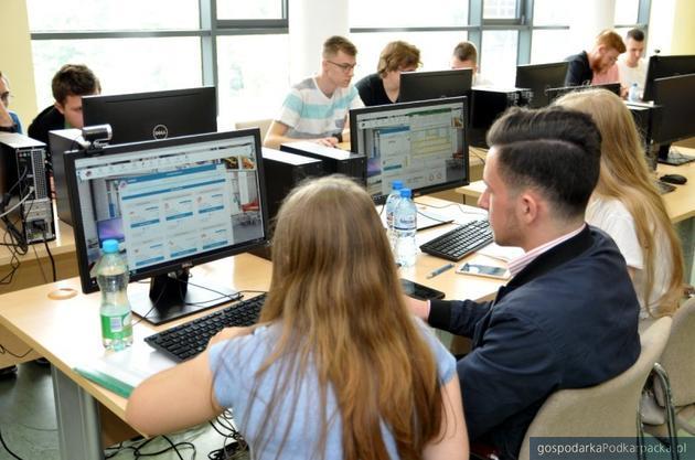 Zdalna letnia sesja egzaminacyjna w WSPiA