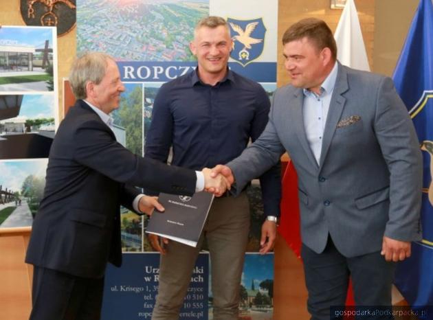 Umowa na budowę nowego dworca autobusowego w Ropczycach podpisana