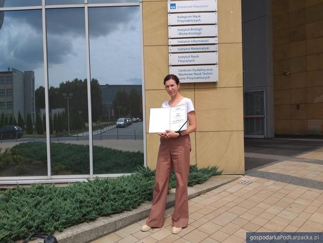 Ewa Wójcik-Lis z Radia Leliwa z nagrodą Idol rzeszowskiej Fundacji Szansa dla Niewidomych