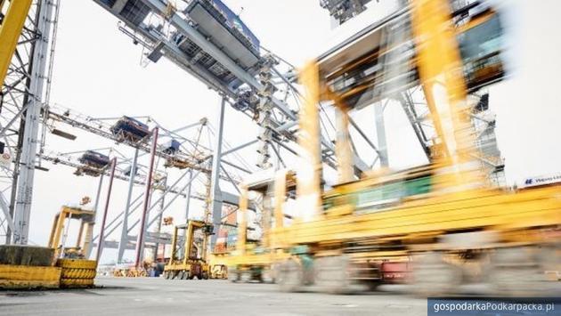 Unia Europejska jest jednym z największych na świecie podmiotów handlowych - obok USA i Chin