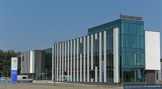 www.aeropolis.com.pl/pl/inkubator-technologiczny