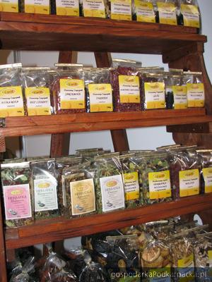 Herbatki i suszone owoce z firmy AWB. Fot. Adam Cyło