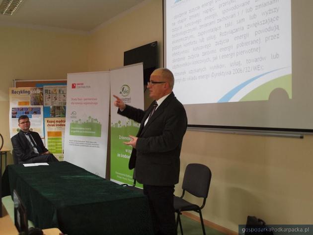Andrzej Kulig podczas konferencji w ZSO nr 3. Fot. EkoPrzestrzeń