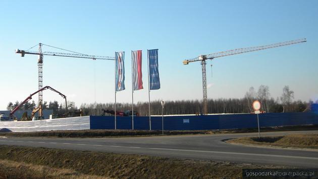 Dźwigi na budowie Centrum Wystawienniczo-Kongresowego w Jasionce
