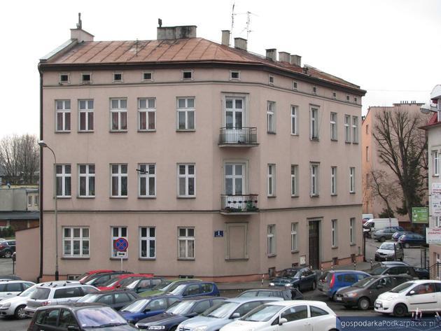 Kamienica przy ulicy Wierzynka 1 w Rzeszowie, wpisana do ewidencji zabytków. Fot. Adam Cyło