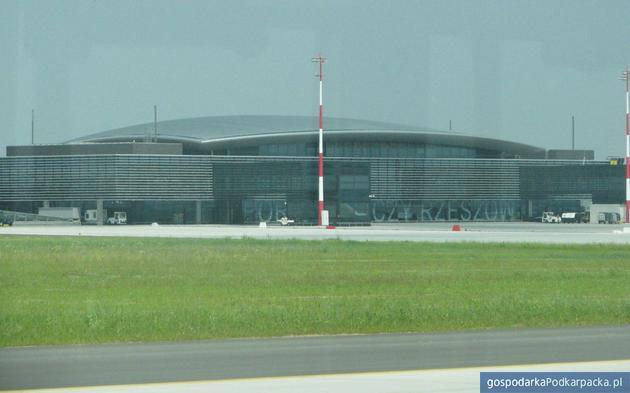Terminal pasażerski w Porcie Lotniczym Rzeszów-Jasionka. Fot. Adam Cyło