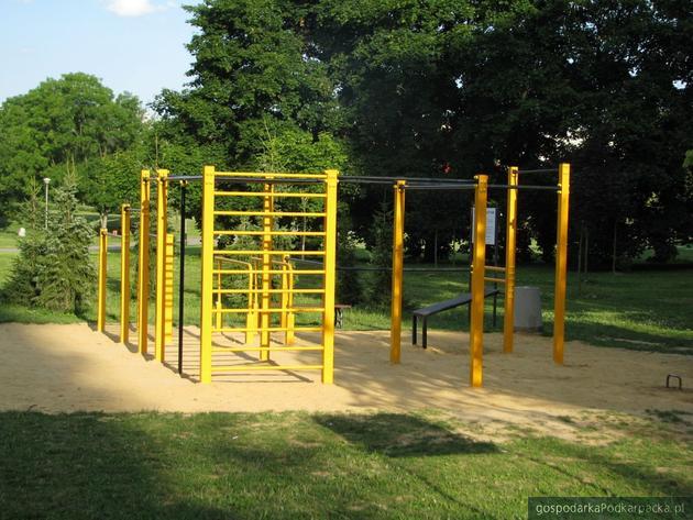Street Workout Park Rzeszów na Bulwarach. Fot. Adam Cyło