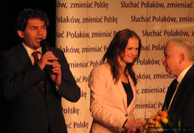 Konwencję prowadzili Lucjusz Nadbereżny i Anna Schmidt (na zdjęciu z Jarosławem Kaczyńskim). Fot. Adam Cyło