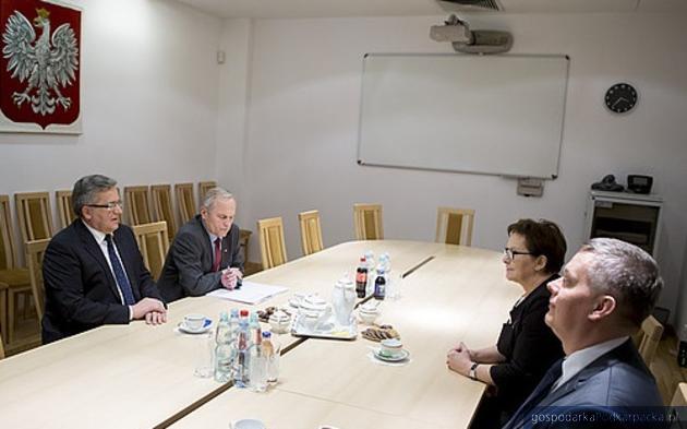 Od lewej prezydent Bronisław Komorowski, minister Stanisław Koziej, minister Tomasz Siemoniak i premier Ewa Kopacz
